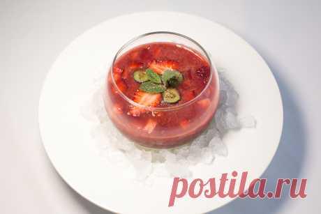 Холодный клубничный суп с базиликом | | Кухня Кухня Свежее и ароматное сочетание ягод и базилика в прохладном летнем клубничном супе.Летом, когда идея тяжелой и сытной еды кажется невыносимой, экспериментировать с ягодными супами самое время! Подавать