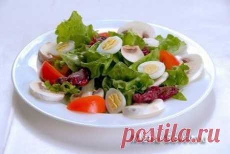 10 рецептов праздничных легких салатов