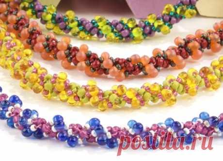 Ожерелье из жимолости