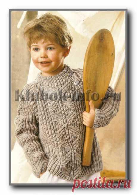 Вязание детям спицами. Пуловер с застежкой реглан и рельефным узором