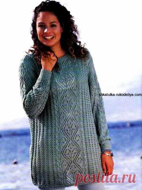 Пуловер с крупными ромбами и узором из листьев Пуловер с крупными ромбами и узором из листьев. Длинный пуловер с центральным узором спицами