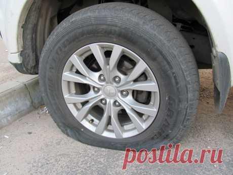 Проколол колесо, а запаски нет: что делать? | Автомеханик | Яндекс Дзен