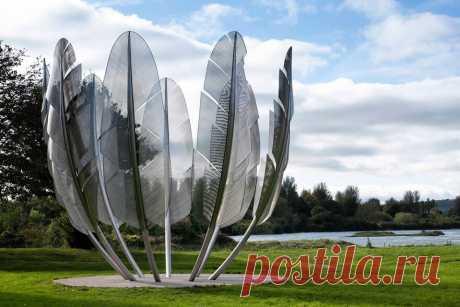 Памятник индейскому племени Чокто в Мидлтоне, Ирландия.Facebook