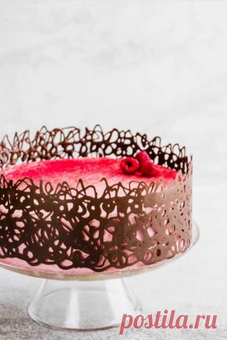 Украшение Шоколадного Торта Легкое украшение шоколадного торта, которое мгновенно добавит вау-фактор в ваш домашний торт. Сделать такую шоколадную клетку так просто