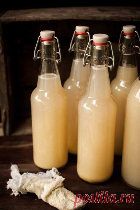 La cerveza de casa limonno-de jengibre.