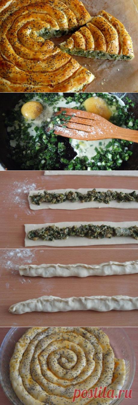 Пирог серпантин с зеленым луком Стряпуха