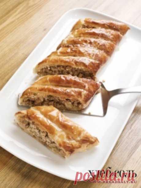 Домашняя пахлава по-армянски    Нарежьте пахлаву на куски и подавайте.
