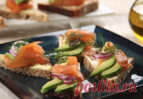 Бутерброды с авокадо и рыбой - рецепт с пошаговыми фото | Cookingfood.com.ua