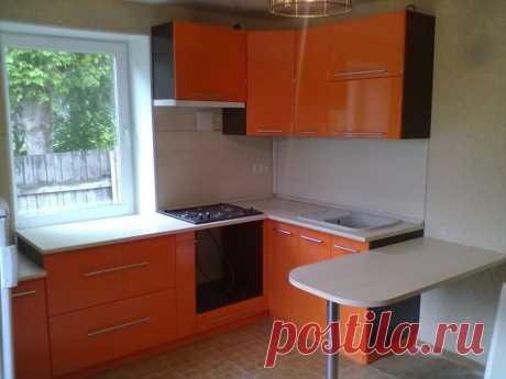 Совет, как увеличить площадь кухни при помощи подоконника