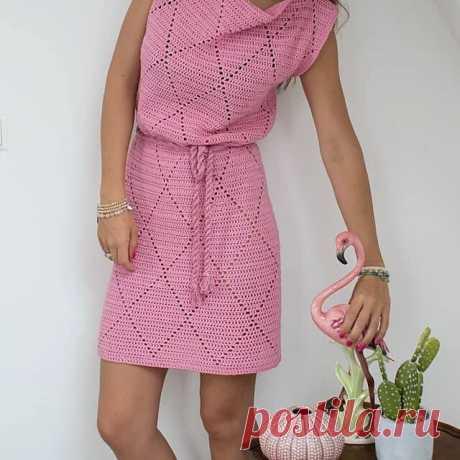 Почти пуританское вязаное платье - строго, но, красиво