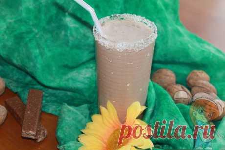 Шоколадный протеиновый коктейль из натуральных продуктов С протеиновым шоколадным коктейлем завтрак или перекус станет сытнее. Готовится быстро. Шоколадный коктейль в домашних условиях из натуральных продуктов.