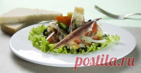 Рецепт с фото - салат с рыбой и овощами.  Низкокалорийные блюда из итальянской кухни