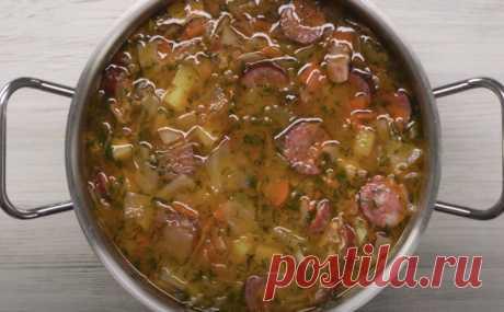 Варим капустняк по-польски. Щи и солянка в одной тарелке