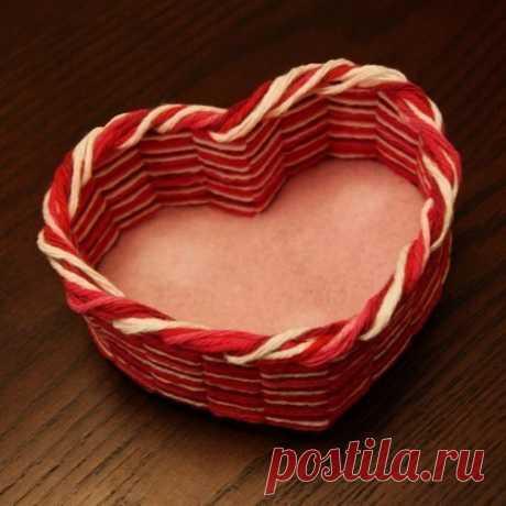 Как сделать шкатулку-сердечко из картона и ниток, своими руками?