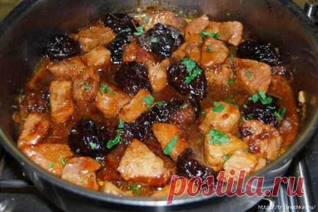 Amazing meat for gourmets! With prunes!.