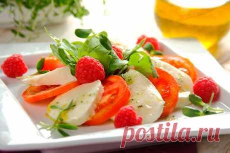 Итальянский салат Капрезе с моцареллой - пошаговый рецепт с фото.