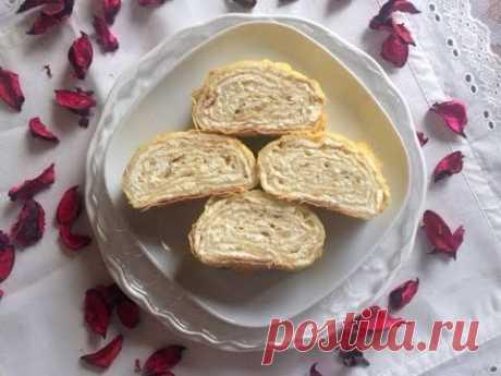 El panecillo de lavasha con el requesón