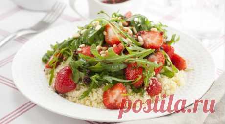 Салат из рукколы с клубникой, пошаговый рецепт с фото