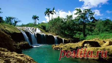 "Водопад"" лагуна"" около Тайланда"
