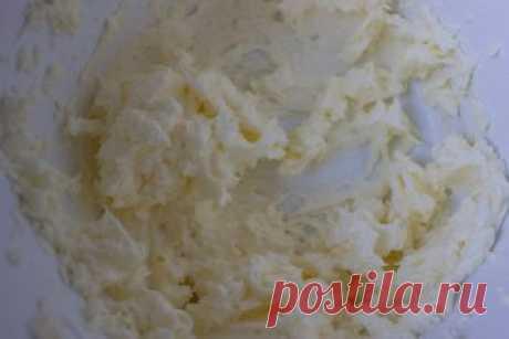 Масляный крем на швейцарской меренге