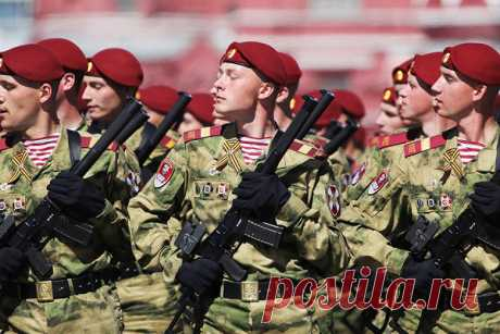 Названа дата проведения парада Победы Лидер КПРФ Геннадий Зюганов заявил, чтопарад, посвященный 75-летия Победы, возможно, пройдет 24 ИЮНЯ. Обэтом сообщает «Интерфакс».