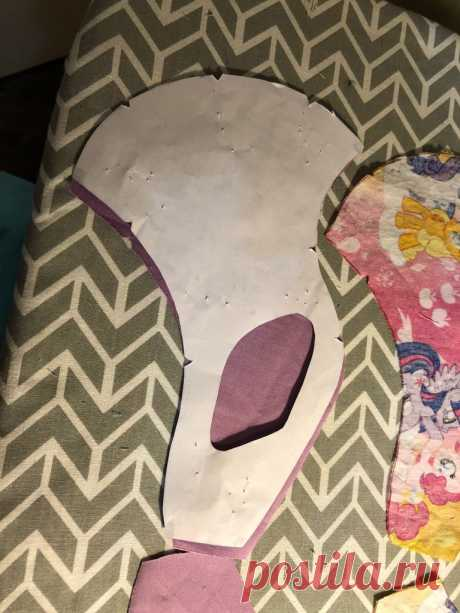 Kids Standard Cloth Mask W/ Ear-Keyhole : 19 Steps (with Pictures) - Instructables