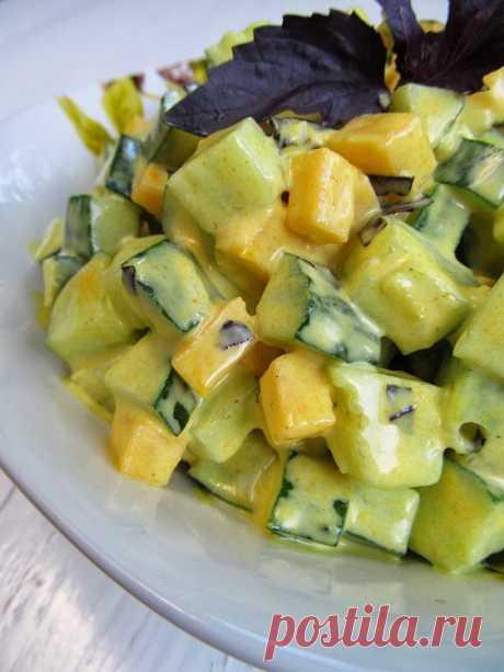 Постигая искусство кулинарии... : Огуречный салат с сыром и куркумой
