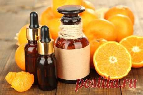 КАК ПРИГОТОВИТЬ ДОМАШНЕЕ АПЕЛЬСИНОВОЕ МАСЛО СВОИМИ РУКАМИ Свежие апельсиновые корочки от 3-х апельсинов порезать мелкой соломкой. Плотно уложить их в чистую стеклянную банку или бутылку и залить качественным оливковым маслом около 200 мл. Масло должно полностью покрывать апельсиновые корочки. Банку плотно закрыть крышкой и поставить в темное место на 3 дня, но не в холодильник! После того, как масло настоится, поставить банку […] Читай дальше на сайте. Жми подробнее ➡