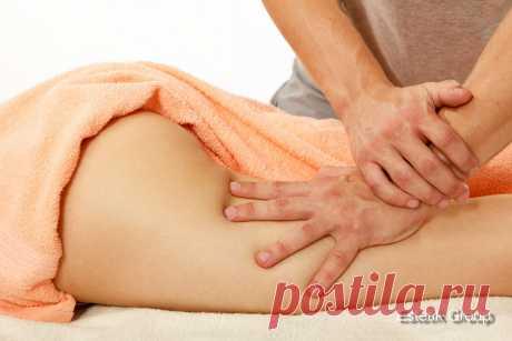 Лечебный массаж имеет целью воздействие на пораженный орган и на весь организм в целом. Он может быть общим, когда массируется все тело, и местным - частичным, когда массируется только пораженная часть тела (стопа, кисть, спина и др.). Как действует массаж на организм? Кожа под действием массажа механически освобождается от отживших клеток рогового слоя, в ней расширяются кровеносные и лимфатические сосуды, повышается ее температура, нормализуется функция потовых и сальных желез. Кожа становитс