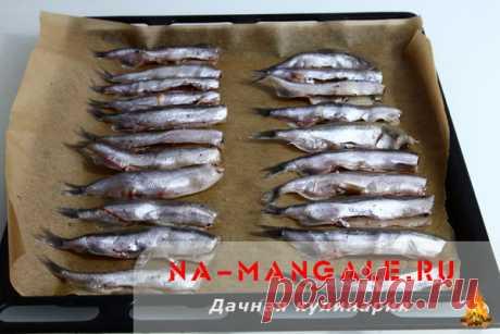 Мойва в духовке - рецепты с фото приготовления запеченной рыбы