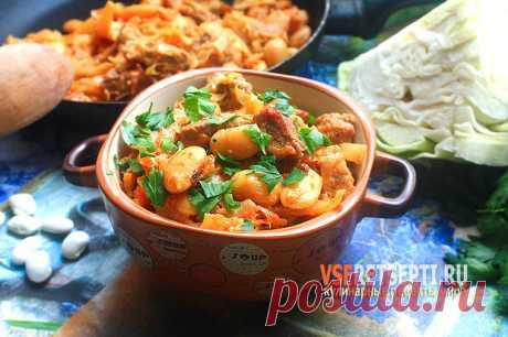 Рецепт тушеной капусты с мясом и фасолью