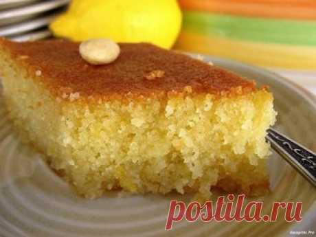 Манник - очень вкусный пирог для ваших деток  Ингредиенты: -1 стакан манки -120г сметаны (15-20%) Показать полностью…