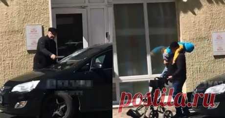 Когда у отца ребенка-инвалида лопнуло терпение! (2 фото + видео) . Тут забавно !!!