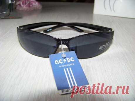 Солнцезащитные спортивные очки с черной дымчатой линзой ac/dc за 150 грн. | Шафа