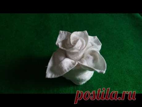 FLOWER IN VASE - TOWEL DESIGN