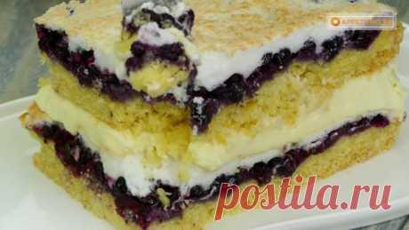 Очень просто и безумно вкусно! Особенное пирожное с ягодной начинкой и безе.