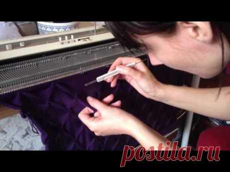 Shar-Pei by knitting car