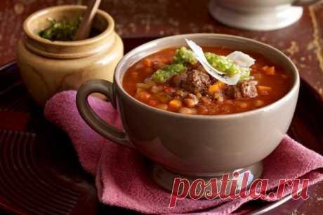 Топ-5 рецептов простых, но таких вкусных супов на каждый день Какой же обед без первого блюда? Так уж повелось, что многие из нас не могут назвать обеденную трапезу полноценной без наваристого борща, пряного харчо, согревающего куриного супа или пикантного рассольника. Вкусный бульон, яркие овощи и зелень в сочетании с нежным мясом дают потрясающий вкус супа. Чтобы и в будний день обед удался на славу предлагаем вооружится этими рецептами разнообразных вкусных и очень прос...