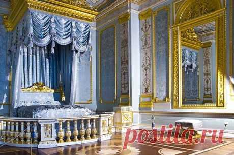 Embellished balasters gatchina Palace Interior | Interiors of the Grand Palace in Gatchina, royal estate south of St... | Pinterest • el catálogo Mundial de las ideas