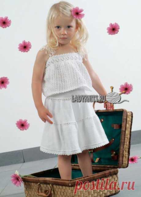 Вязаный спицами летний костюм с юбкой и топом для девочки от 2 до 8 лет