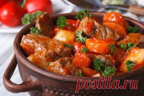 Рецепт свинного гуляша с томатным соусом