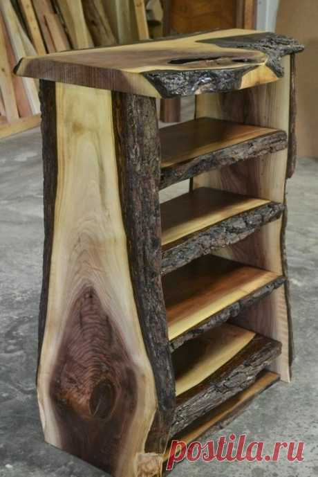 This is a neat little shelving unit.  It looks like someone took a log and sliced it to make it.  A good DIY project.