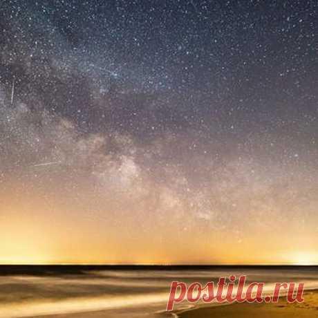 Photo by 👍💔  фотография для людей  ♢☢ on April 25, 2020. На изображении может находиться: небо и ночь