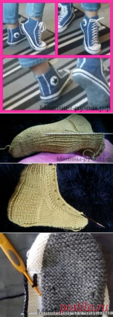 Женские кеды-тапочки, связанные спицами.