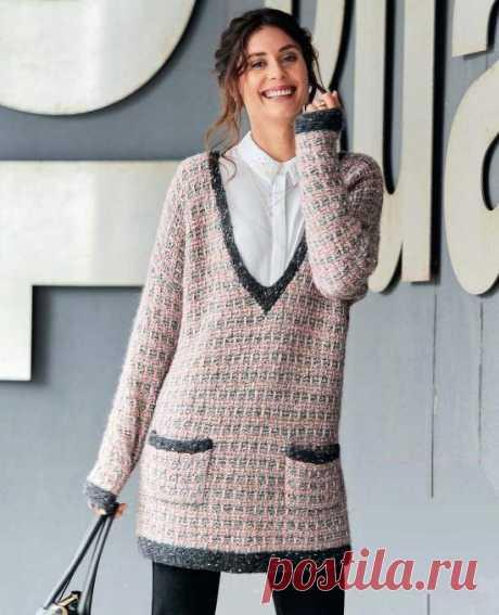 Женский пуловер с узором из снятых петель Вдохновение от шанель: вы быстро уловите ритм двухцветного узора со снятыми петлями, имитирующего ткань рогожку. Темные планки - также дань знаменитому бренду. Размеры: 38/40 (42/44) 46/48