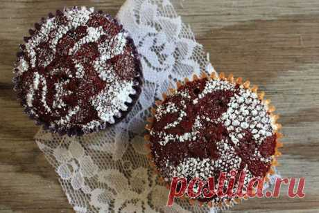 Laces for decoration of pastries. Master class