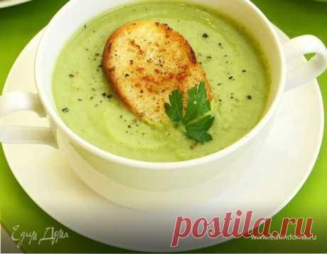 Суп-пюре из брокколи с гренками. Ингредиенты: брокколи свежая, лук репчатый, картофель