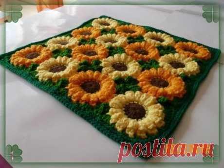 Красивый коврик из цветов