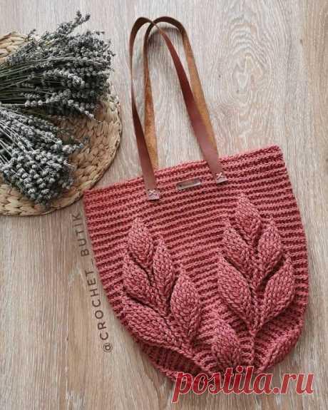 Красивая вязаная сумка крючком