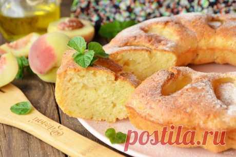 Кекс с цукини и персиками